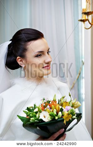 Luxury Bride With A Bouquet Of Flowers