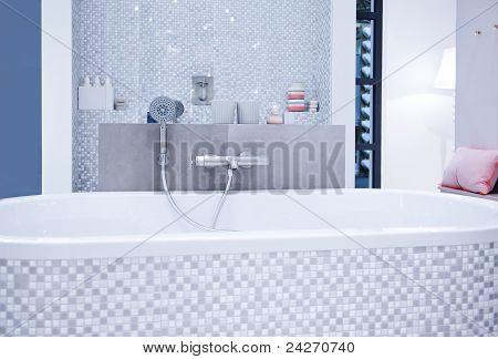 Modern Bath Room