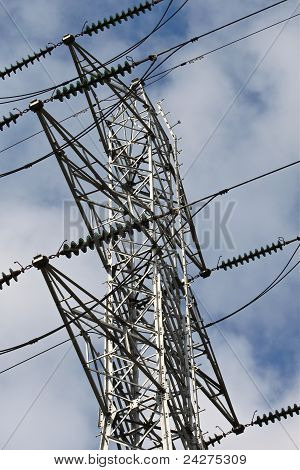 Electrical transmission tower