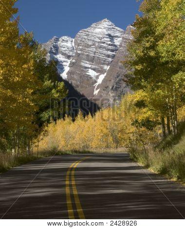 Maroon Bells & Road