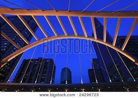 Architektur der Skywalk auf die Innenstadt von Bangkok