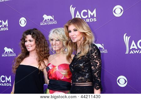 LAS VEGAS - MAR 7:  Shania Twain, Carrie Underwood, Faith Hill arrives at the 2013 Academy of Country Music Awards at the MGM Grand Garden Arena on March 7, 2013 in Las Vegas, NV