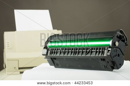 Toner cartridge against laser printer