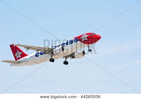 ZURICH - MAY 24:Airbus A320
