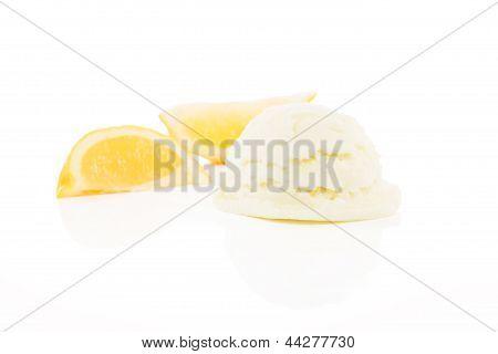 lemon flavored ice cream with lemon slices