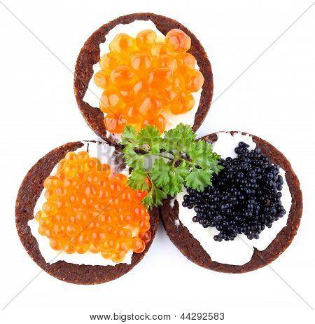 Pan de centeno con Caviar rojo y negro