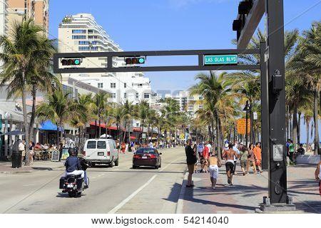 Busy A1A At Las Olas Boulevard