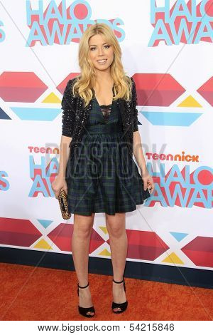 LOS ANGELES - NOV 17: Jennette McCurdy at the 5th Annual TeenNick HALO Awards at the Hollywood Palladium on November 17, 2013 in Los Angeles, California