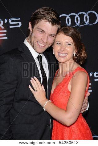 LOS ANGELES - OCT 28:  Liam McIntyre & Erin McIntyre arrives to