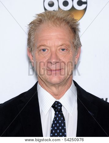 LOS ANGELES - SEP 28:  Jeff Perry arrives to