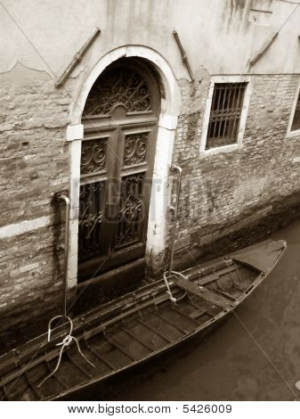 Venice: Old Palace And Gondola, Sepia