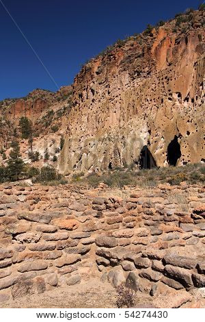 Tsuonyi Pueblo Ruins