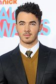 LOS ANGELES - NOV 17: Kevin Jonas at the 5th Annual TeenNick HALO Awards at the Hollywood Palladium