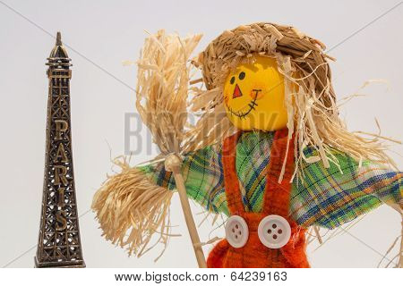 Scarecrow and eifel tower