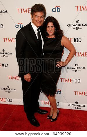 NEW YORK-APR 29: Dr. Mehmet Oz and wife Lisa Oz attend the Time 100 Gala for the Most Influential People in the World at Frederick P. Rose Hall at Lincoln Center on April 29, 2014 in New York City.
