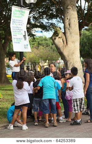 Informing About Water Usage in Miraflores, Lima, Peru