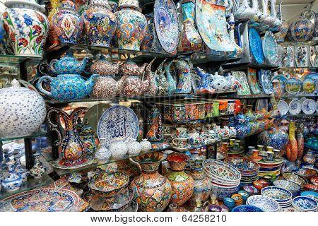 Handmade crockery at Turkish market