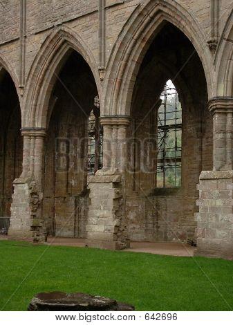 Tintern Abbey 3