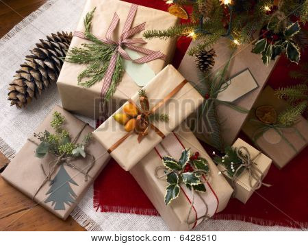 Rustic Decorations For Winter Holidays