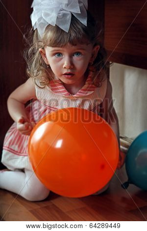 Little Girl Hide And Seek