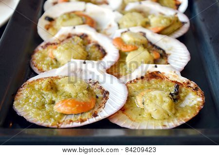 Scallops baked in butter