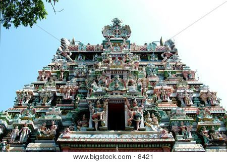 Picture or Photo of Sri Meenakshi Amman Temple Entrance, Hindu Temple, Tamil Nadu, India, South India, Hindu Pilgrim Center, Temple Entrance, Entrance, Gate, Idol, God, Holiness, Spirituality, Religion, Deities