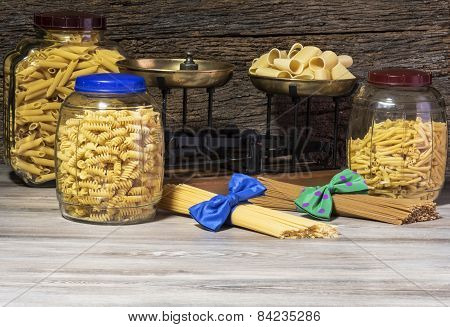 spaghetti and macaroni, pasta italian