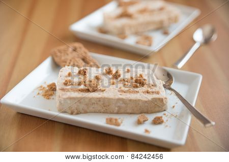 Home made Cinnamon parfait with cookies