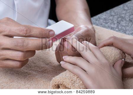 Manicure. Buffing