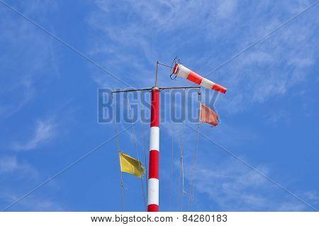 Wind mast