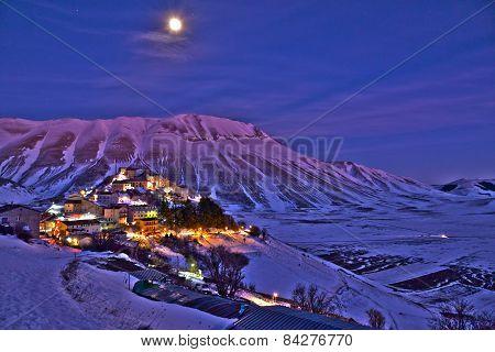 Castelluccio di Norcia at night - hdr photo