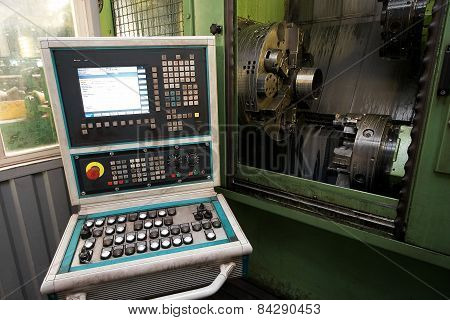 Coupling sleeve machining center for tubes