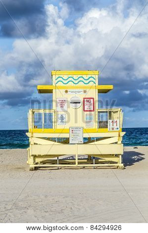 Life Guard Tower On South Beach  In Sunset