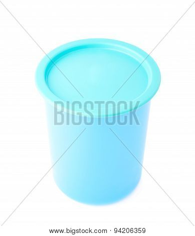 Blue plastic beaker cup with a cap