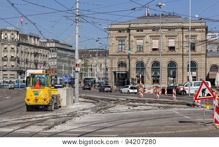 Road Works On The Bahnhofquai Quay
