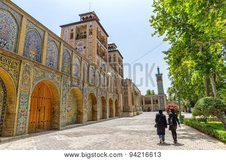 Golestan Palace visitors by the Edifice of the Sun