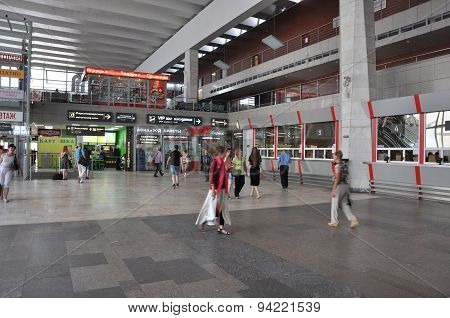 MOSCOW, RUSSIA - 15.06.2015. The interior of  Kursk railway station