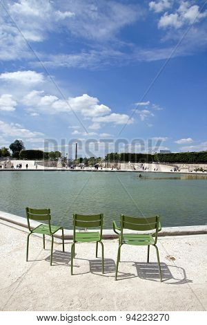 the basin of the Tuileries Gardens (Paris France), the Tuileries, resting place