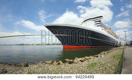 An image of a cruising ship New York