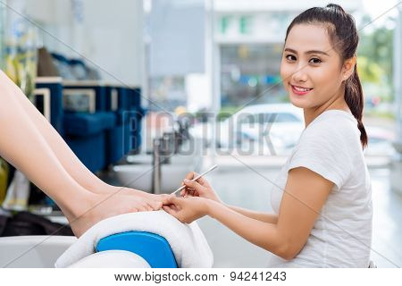 Pretty Vietnamese Pedicurist