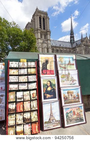 Bouquiniste Stand  Paris