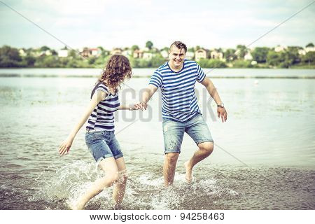 Pretty Couple Outdoor, Running On The Lake