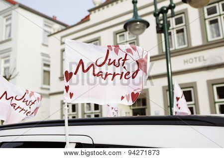 Car Flag Just Married