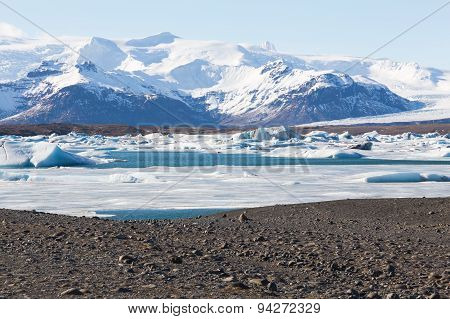 Beautiful of Jokulsarlon lagoon during winter Iceland