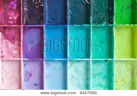 Shade colours on the palette