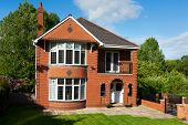 picture of english cottage garden  - English Redbrick House - JPG