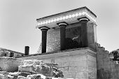 picture of minos  - The North Entrance to the Minoan  - JPG