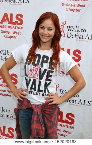 LOS ANGELES - OCT 16:  Amy Paffrath at the ALS Association Golden West Chapter Los Angeles County Walk To Defeat ALS at the Exposition Park on October 16, 2016 in Los Angeles, CA