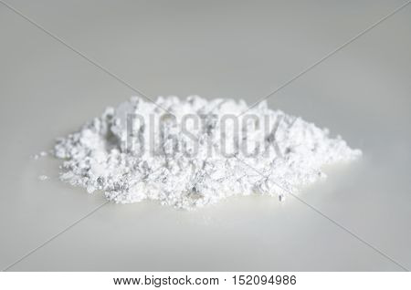 Alantoin White Powder Chemical Extract For Cosmetic Ingredient