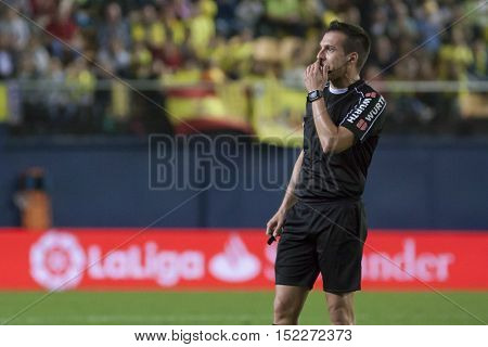 VILLARREAL, SPAIN - OCTOBER 16th: Referee Estrada Fernandez during La Liga soccer match between Villarreal CF and R.C. Celta de Vigo at El Madrigal Stadium on October 16, 2016 in Villarreal, Spain